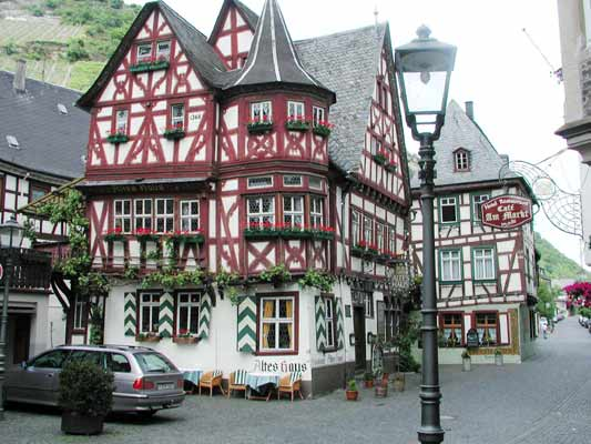 altes haus in bacharach am rhein. Black Bedroom Furniture Sets. Home Design Ideas